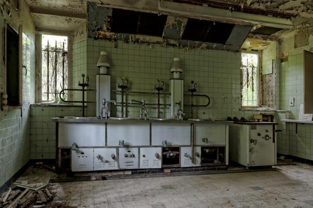 cuisine sous-sol château Miranda