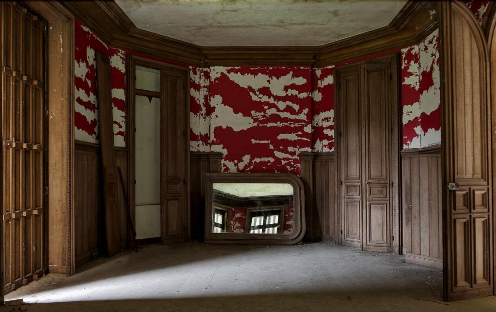 urbex, le château japonais, miroir dans salon château japonais,exploration urbaine