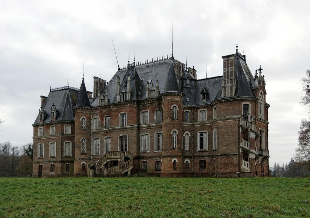 urbex, le château japonais, façade arrière château japonais