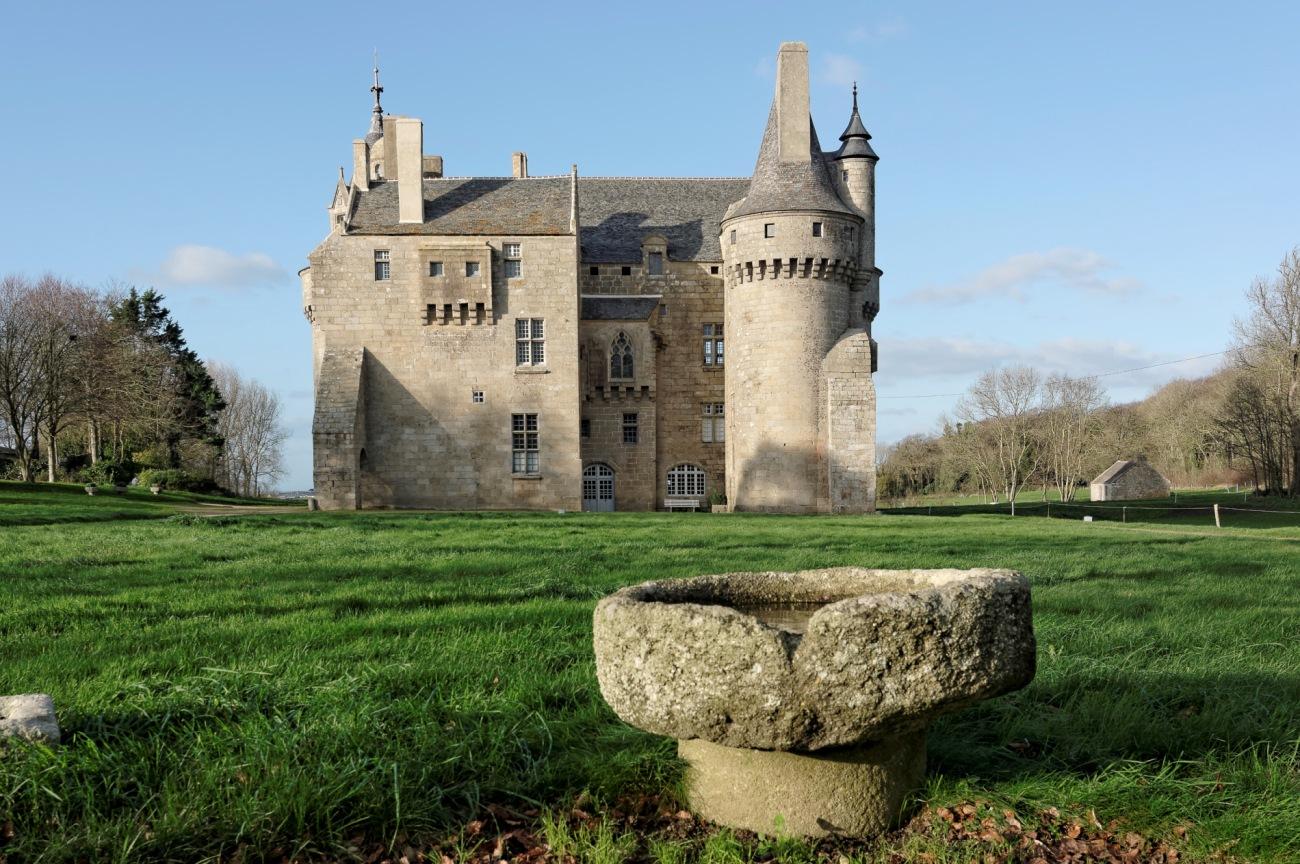 château de Kérouzéré, Sibiril, Finistère, Bretagne, façade avant château de Kérouzéré