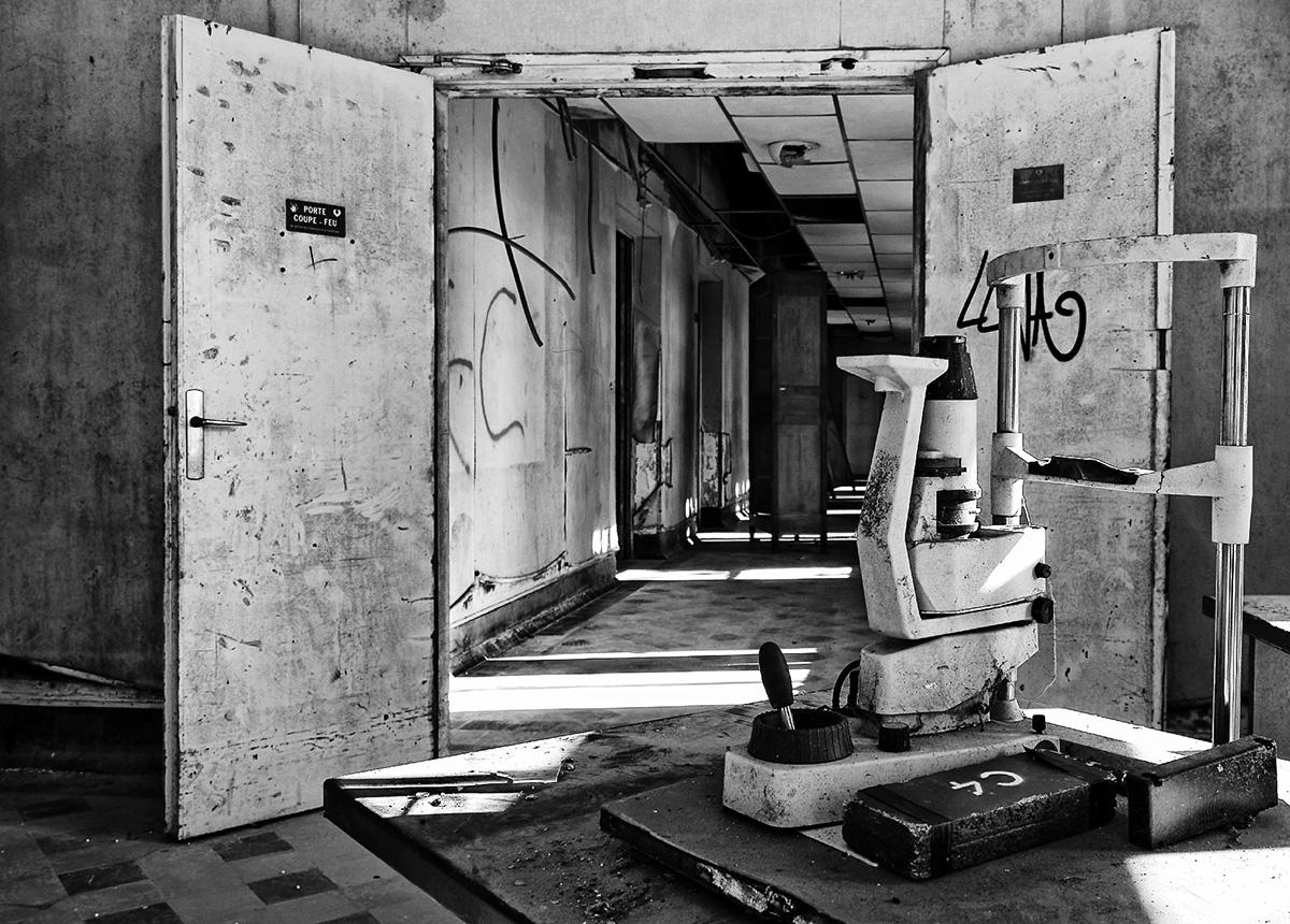 sanatorium delirium, matériel ophtalmologie, urbex, expoloration urbaine,