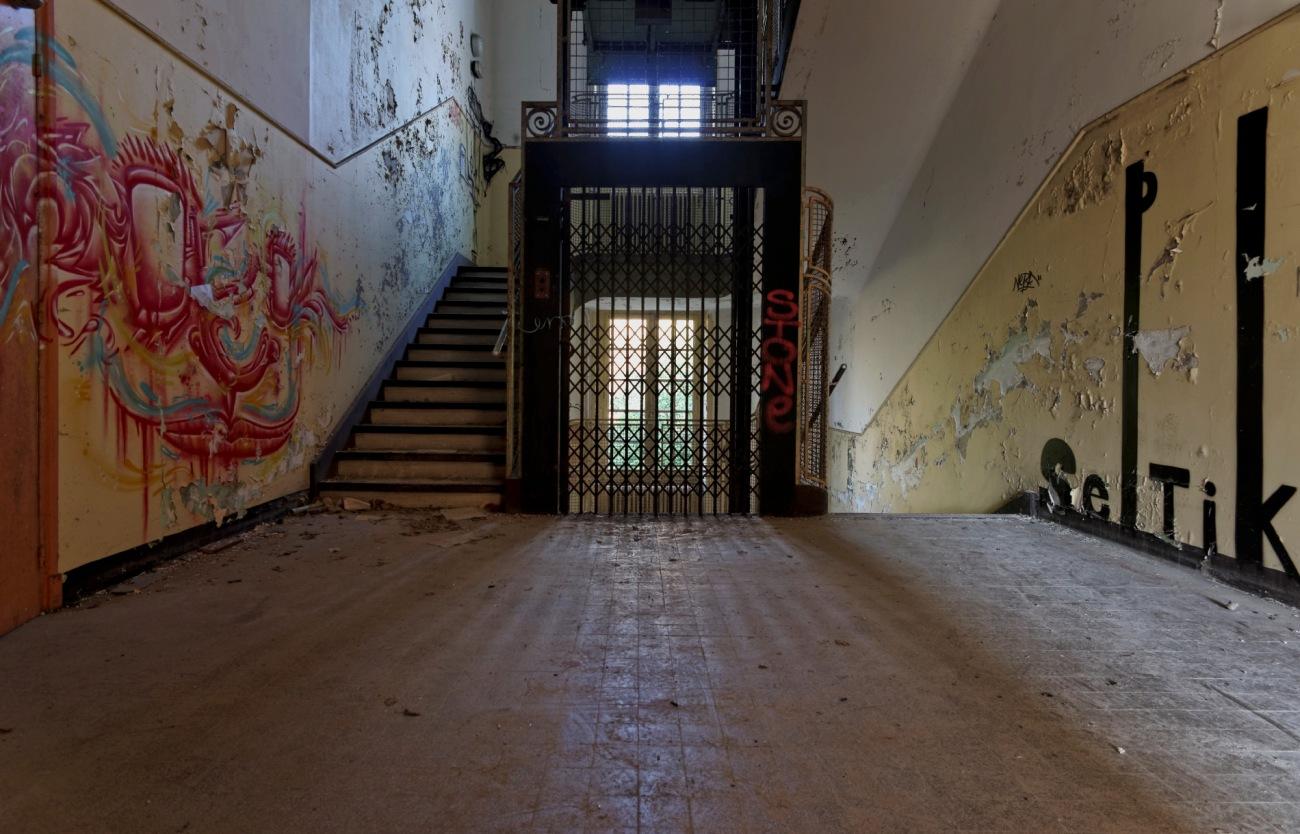 escalier sanatorium delirium, couloir sanatorium delirium, exploration urbaine, urbex