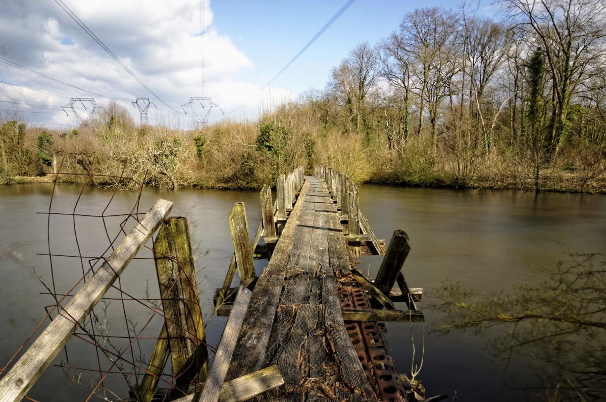 vieux pont, pont de bois, pose longue, au fil de l'eau