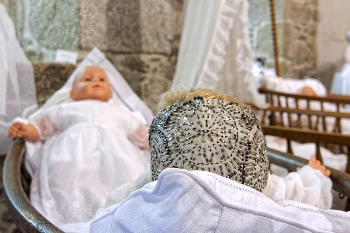robes de baptême anciennes, broderies, bretagne, finistère, Guissény