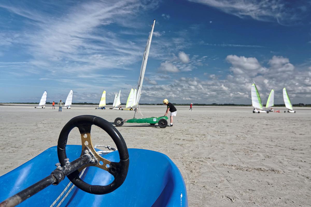 rêve de mer, jeux nautiques, sports nautiques, baie de Goulven, Plounéour Trez, char à voile, cerf-volant, vent