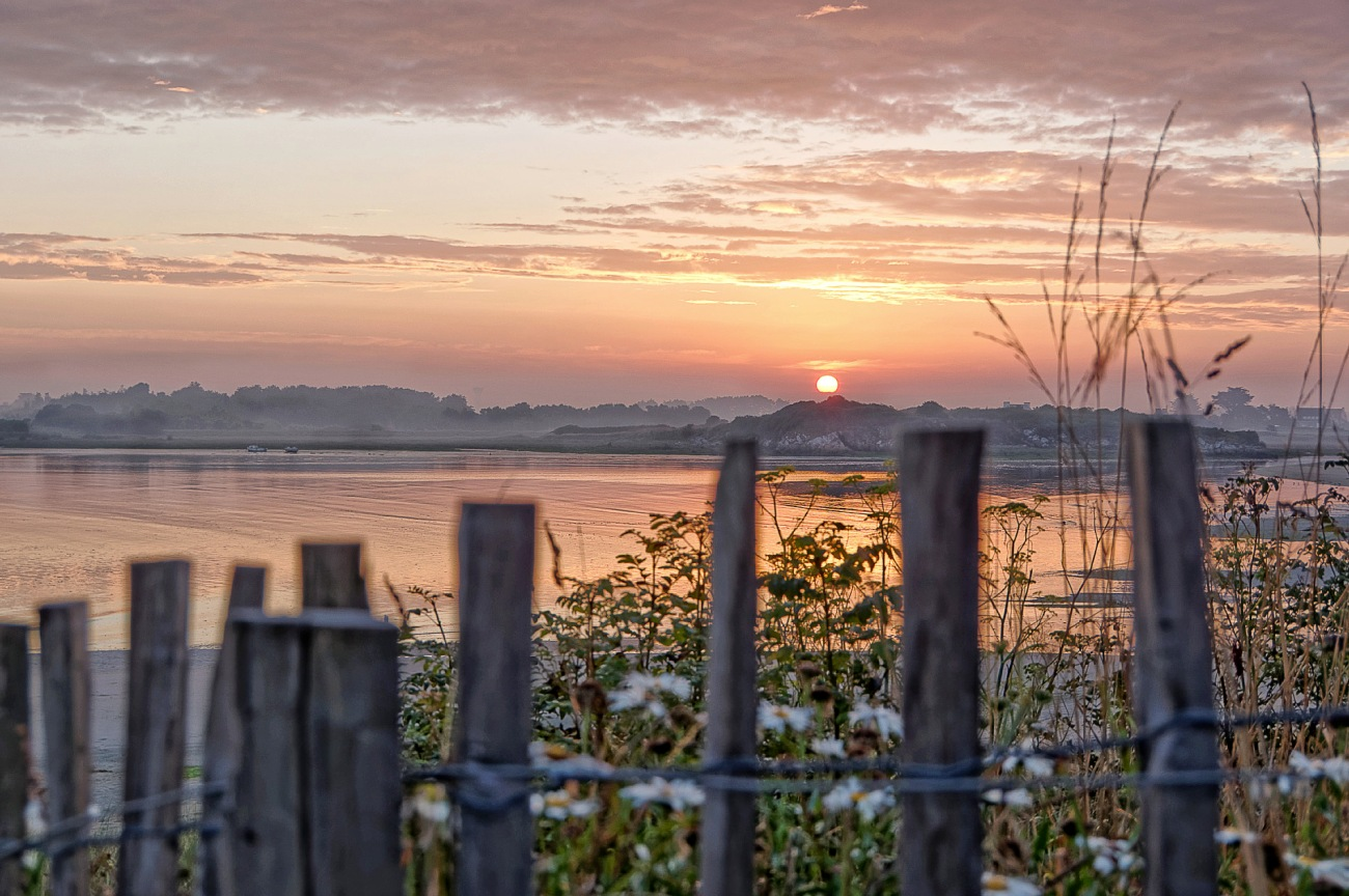 lever de soleil, lever de soleil à Guissény, baie de Guissény, Guissény, Bretagne, Finistère