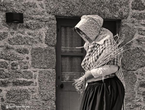 Ménéham 300 ans d'histoire Epis bras femme N&B