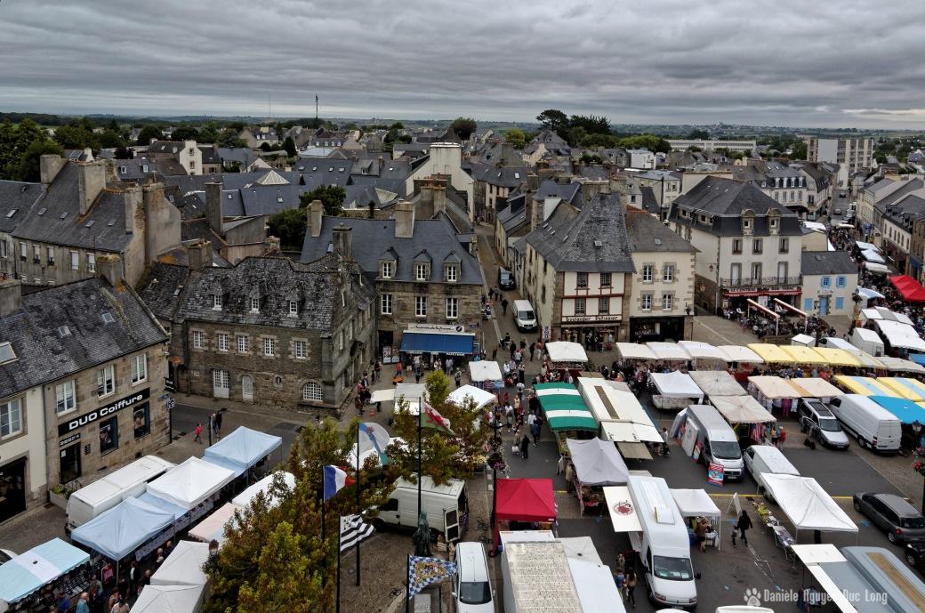 place du marché Lesneven depuis le clocher de St-Michel02, bretagne, finistère