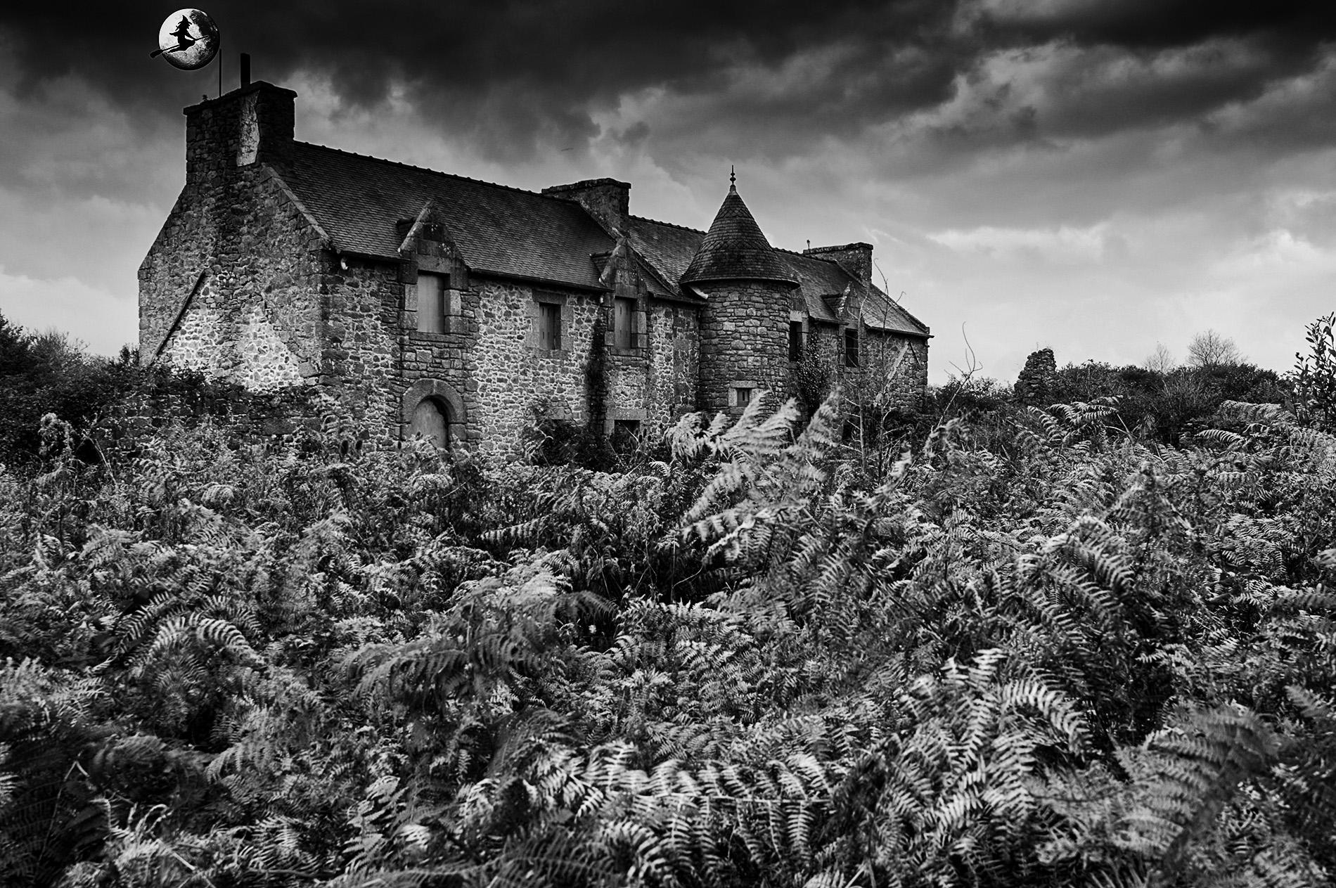 manoir abandonné, Halloween, urbex, noir et blanc,