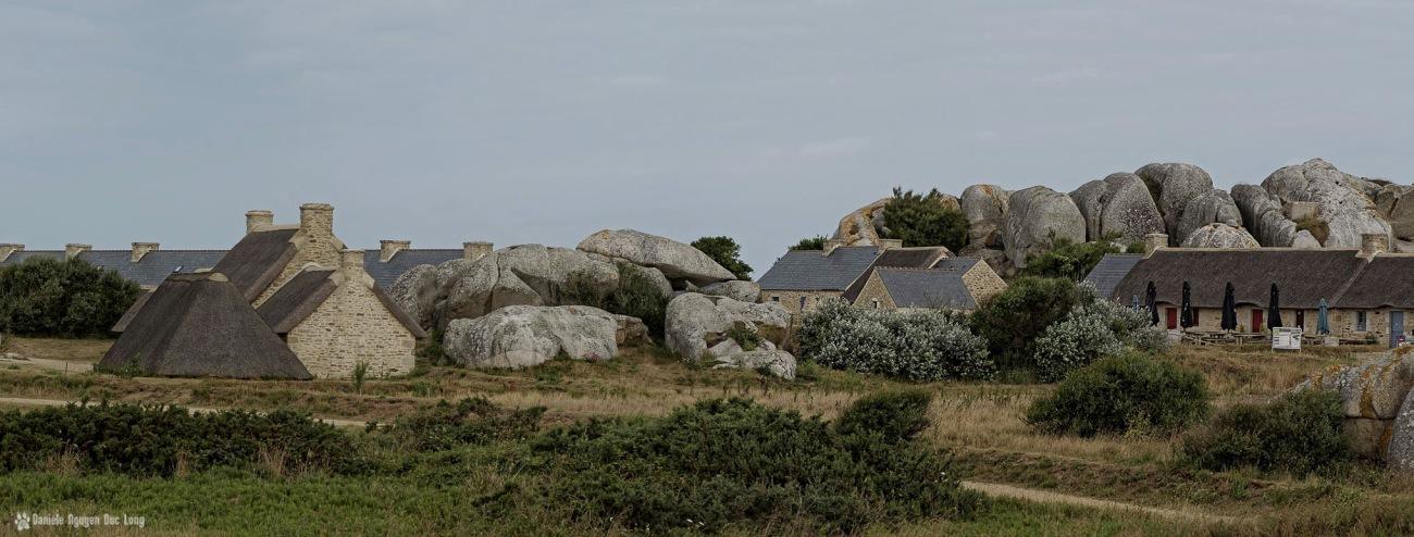 Ménéham au lever du soleil, personne sur le site, village de pêcheurs de Ménéham, Ménéham, Kerloua, Finistère, Bretagne