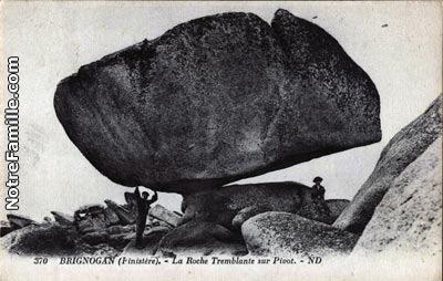 carte postale ancienne roche tremblante Brignogan