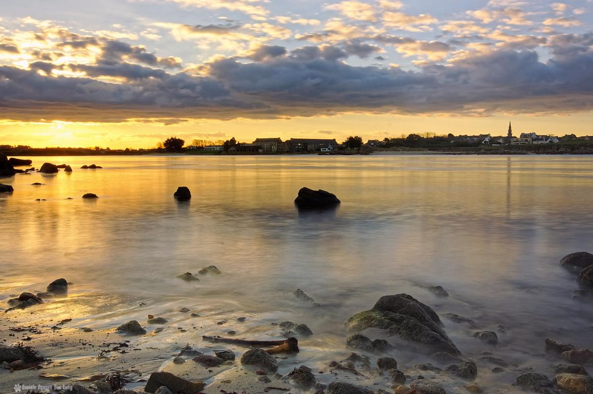 lever de soleil dans la baie de Guissény depuis Lerret, Guissény, Bretagne, Finistère