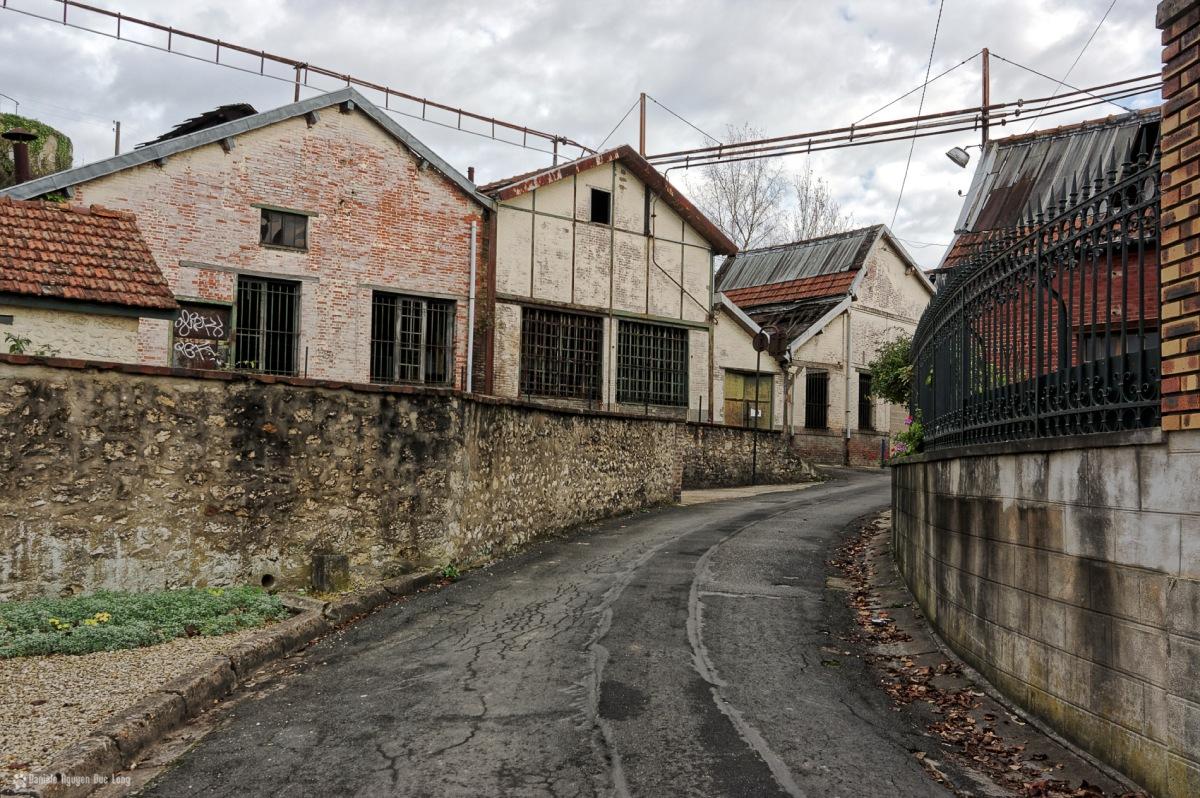 urbex usine du souvenir dans la rue, exploration urbaine, urbex, friche industrielle, usine du souvenir