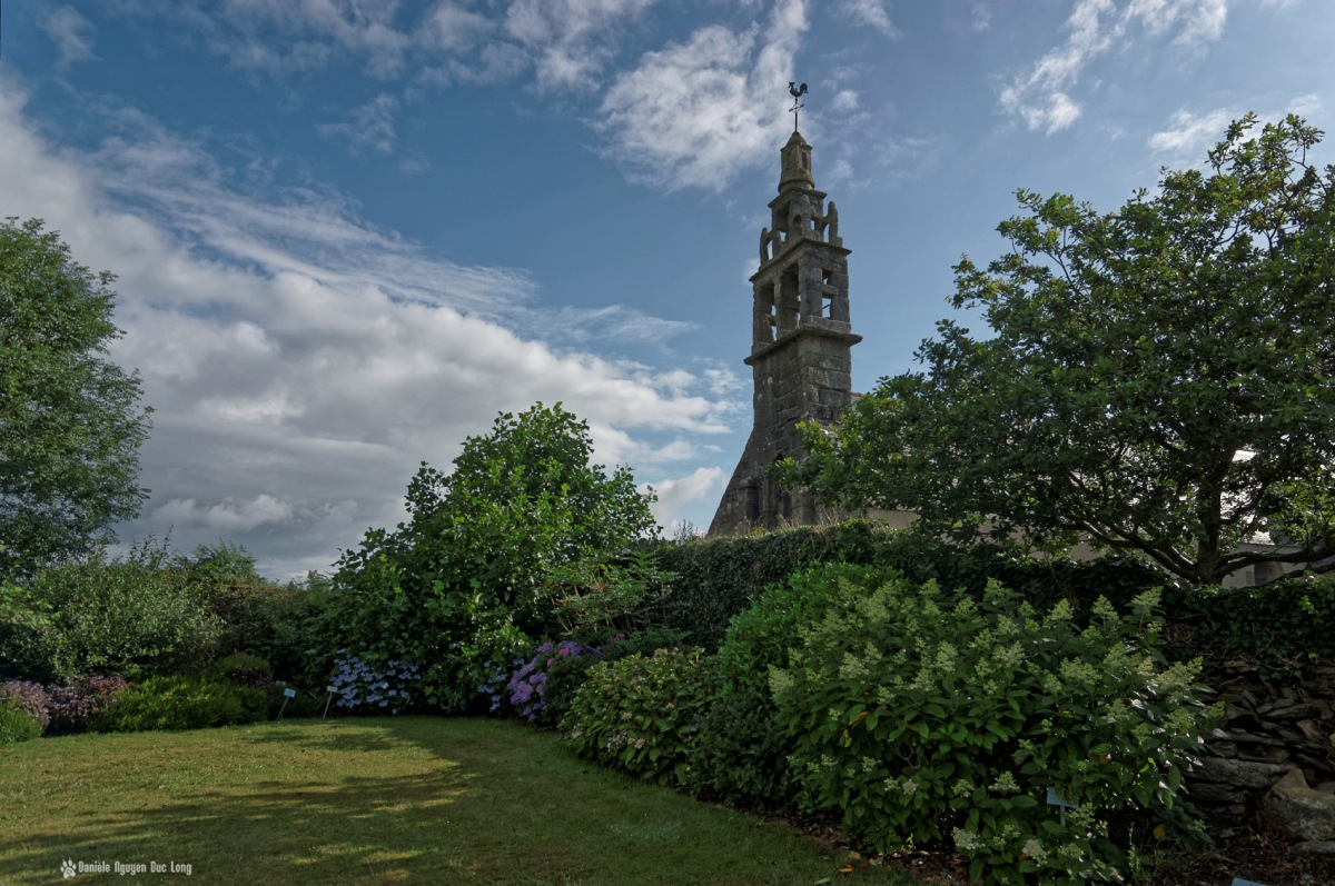 jardins chapelle Guicquelleau, Folgoet, Bretagne, Finistère