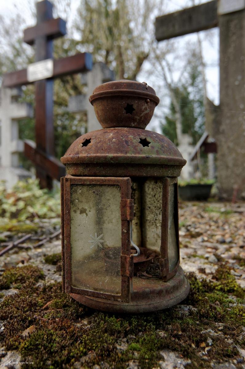 cimetière russe Ste-Geneviève-des-Bois lanterne ronde fer rouillée