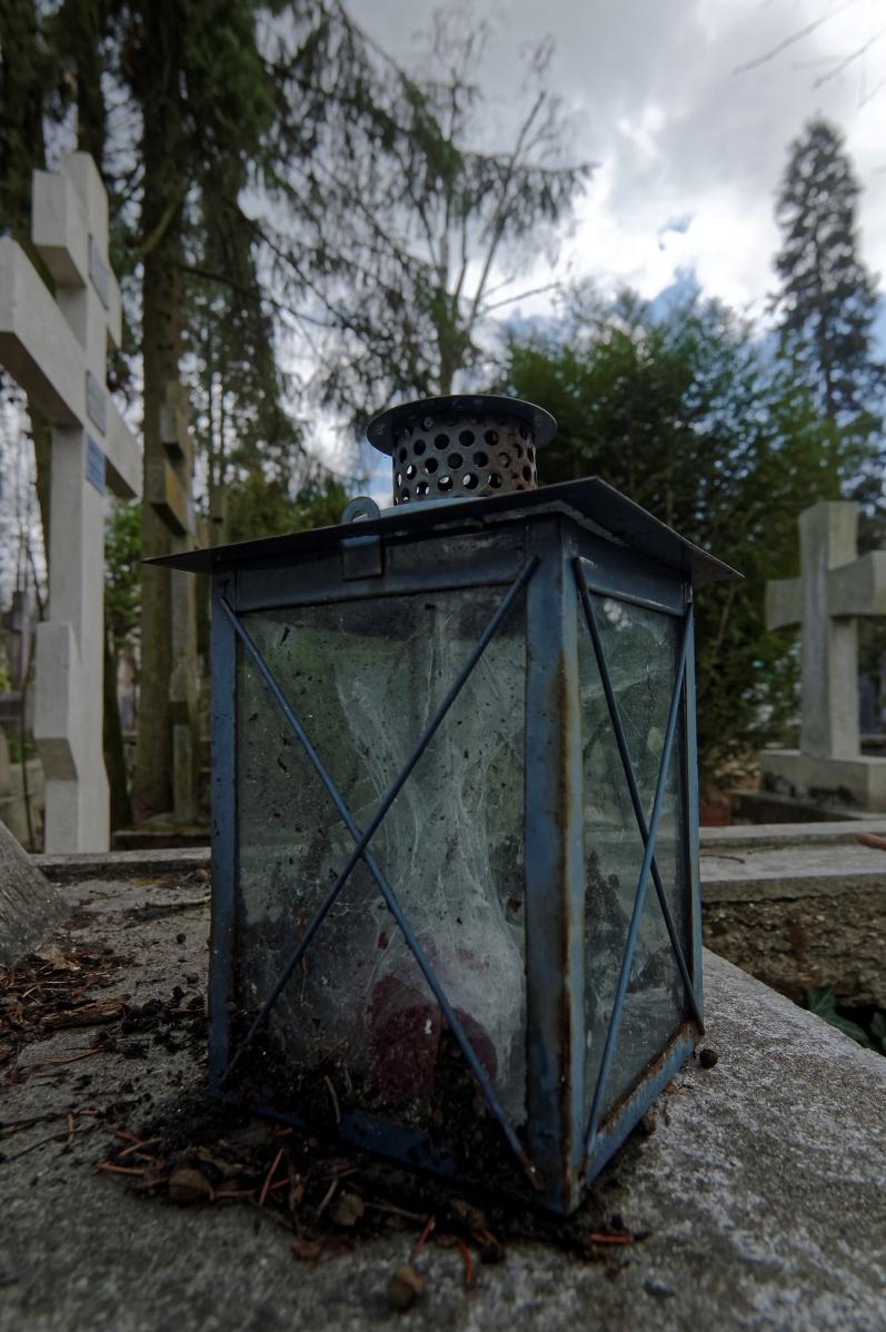 cimetière russe Ste-Geneviève-des-Bois lanterne toile