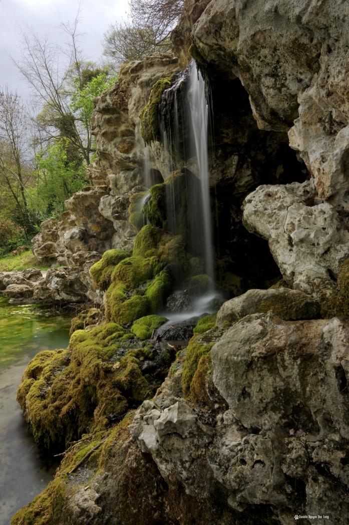 grottes de rocaille de Juvisy cascade grottes 02