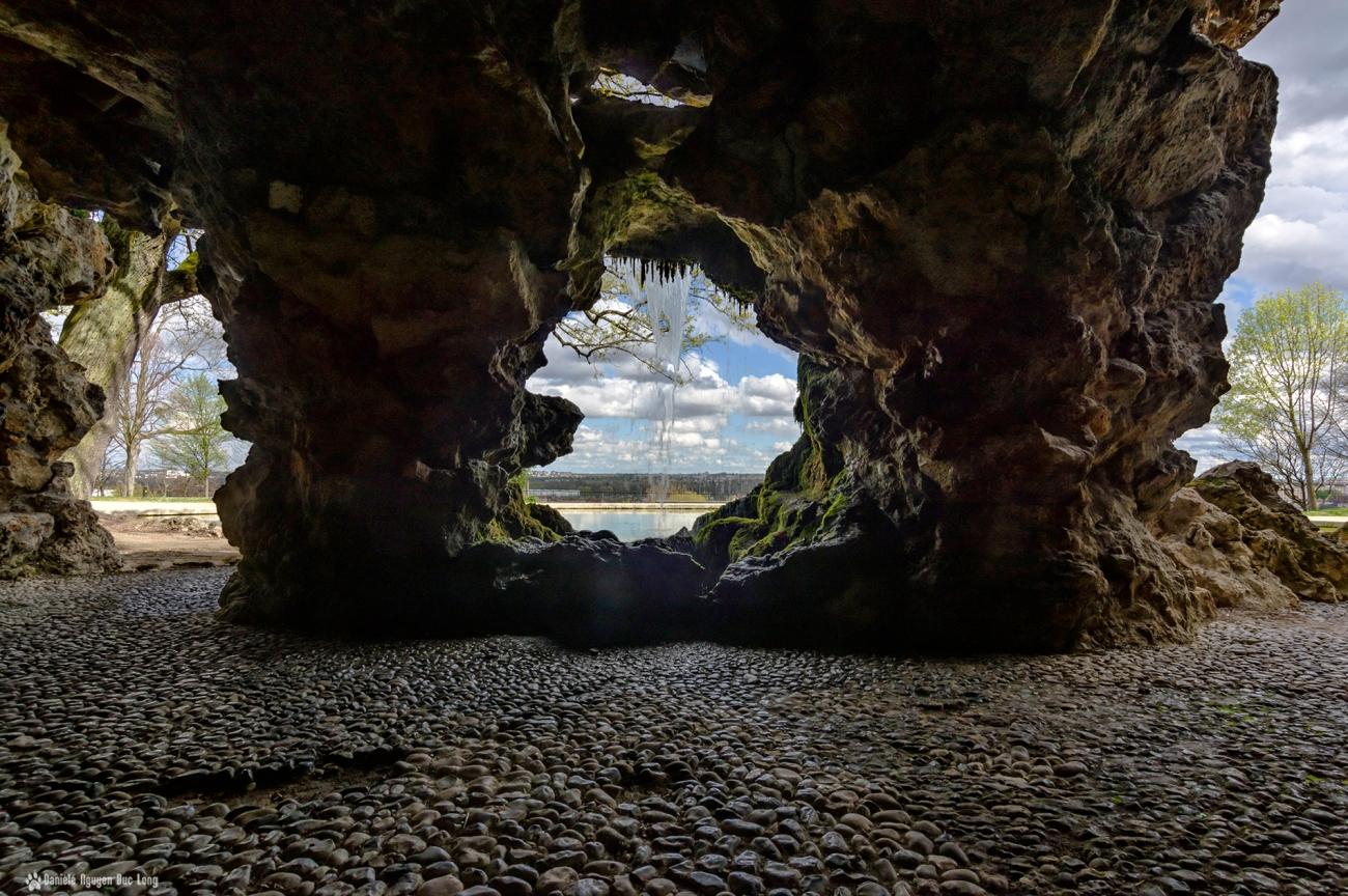 intérieur grotte de rocaille de juvisy1 copie