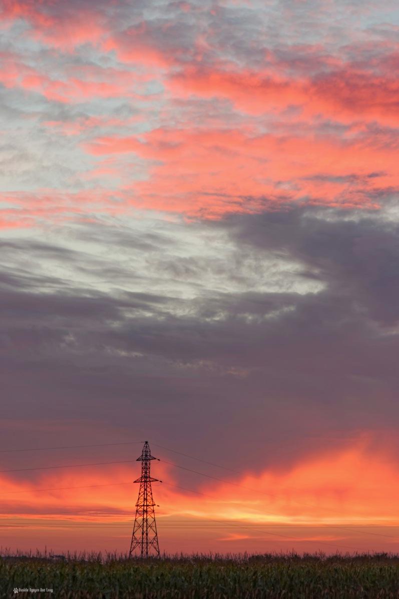 lever soleil Roudouz pylone portrait, lever de soleil, Roudouz, Guissény, Bretagne Finistère