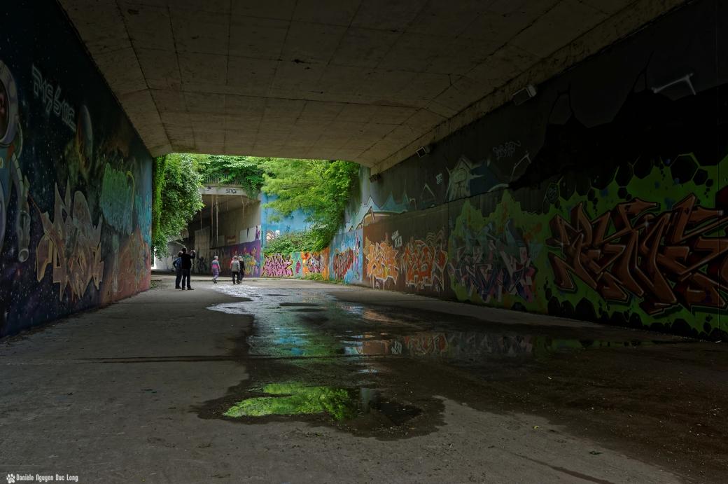 sous le tunnel A10 visiteurs, street art, tags,