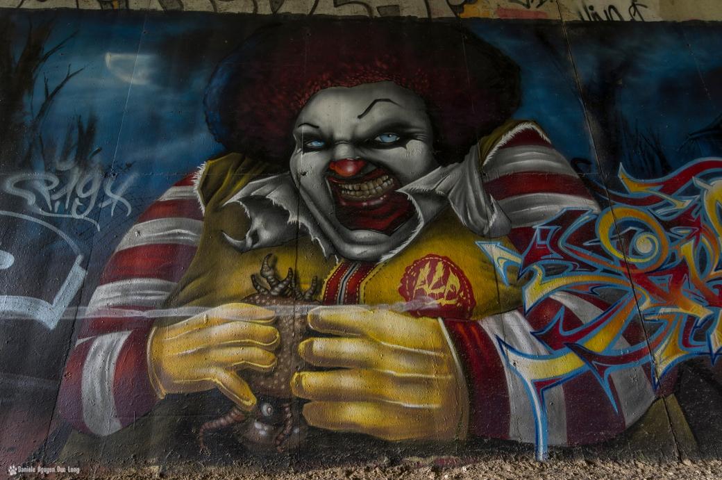 tunnel A10 gros plan sur le clown, street art,