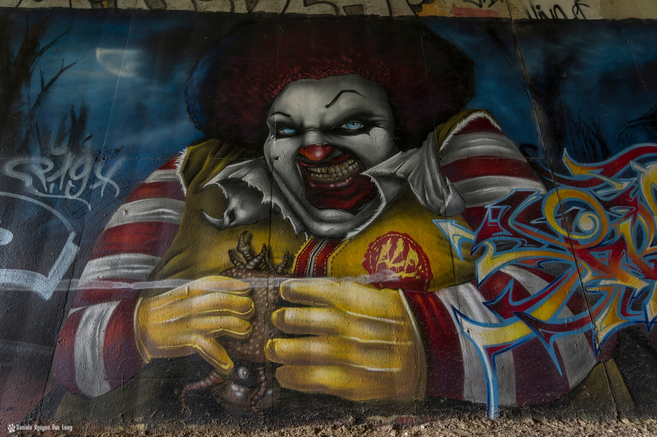 tunnel A10 gros plan sur le clown, street art,