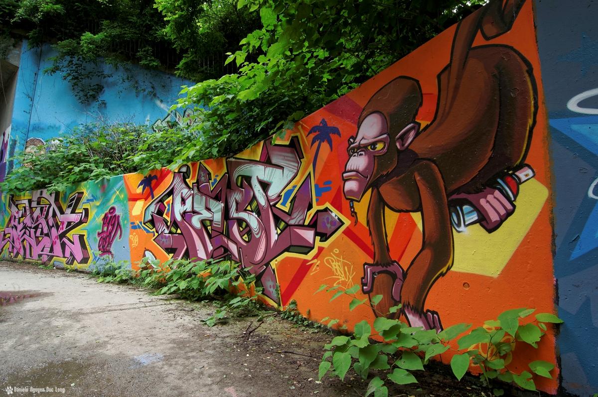 tunnel A10 singe, street art, tags