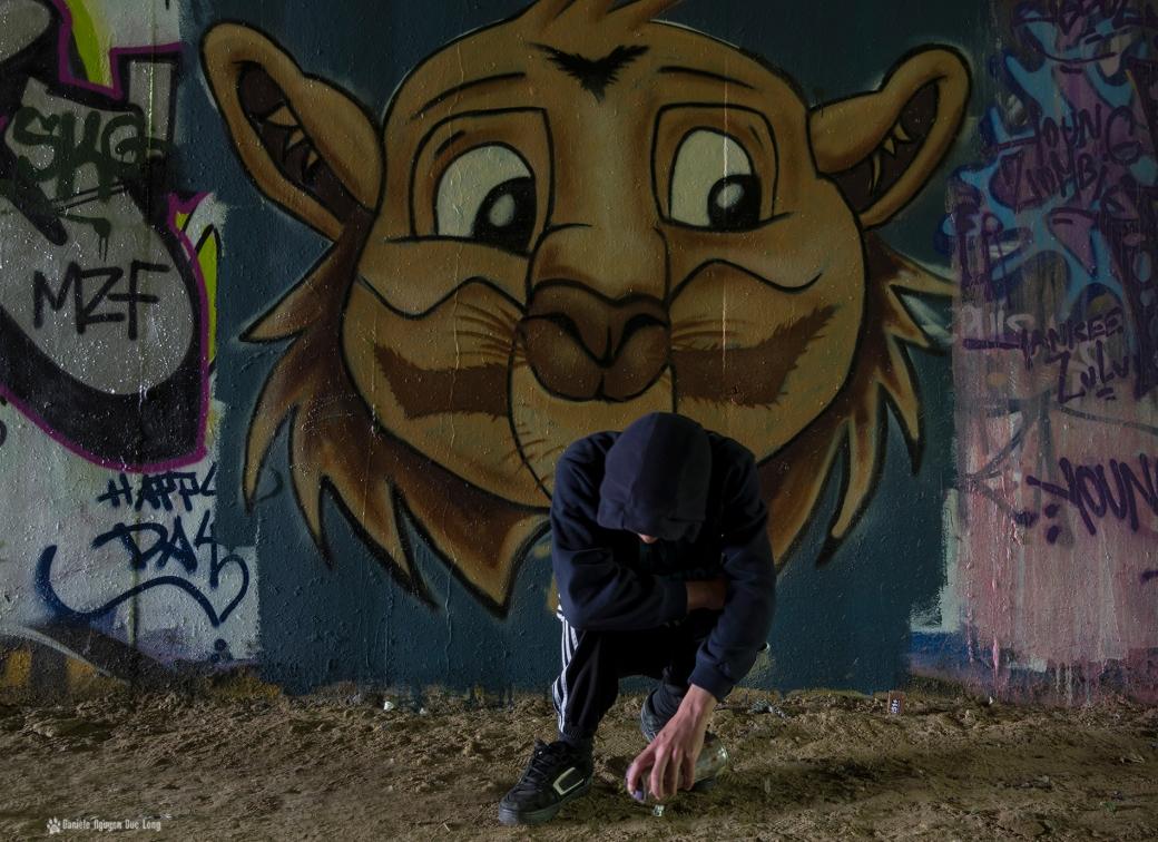 tunnel A10 tête de félin Tom, street art, tags