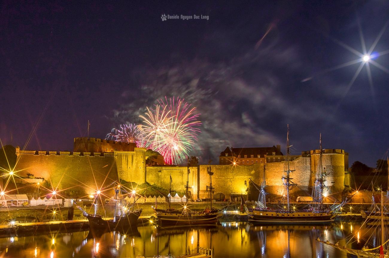 Brest 2016 feu d'artifice château 02 copie, feu d'artifice Tonnerres de Brest, Brest 2016, Château de Brest, feu d'artifice et l'Hermione, Brest, Bretagne, Fiistère