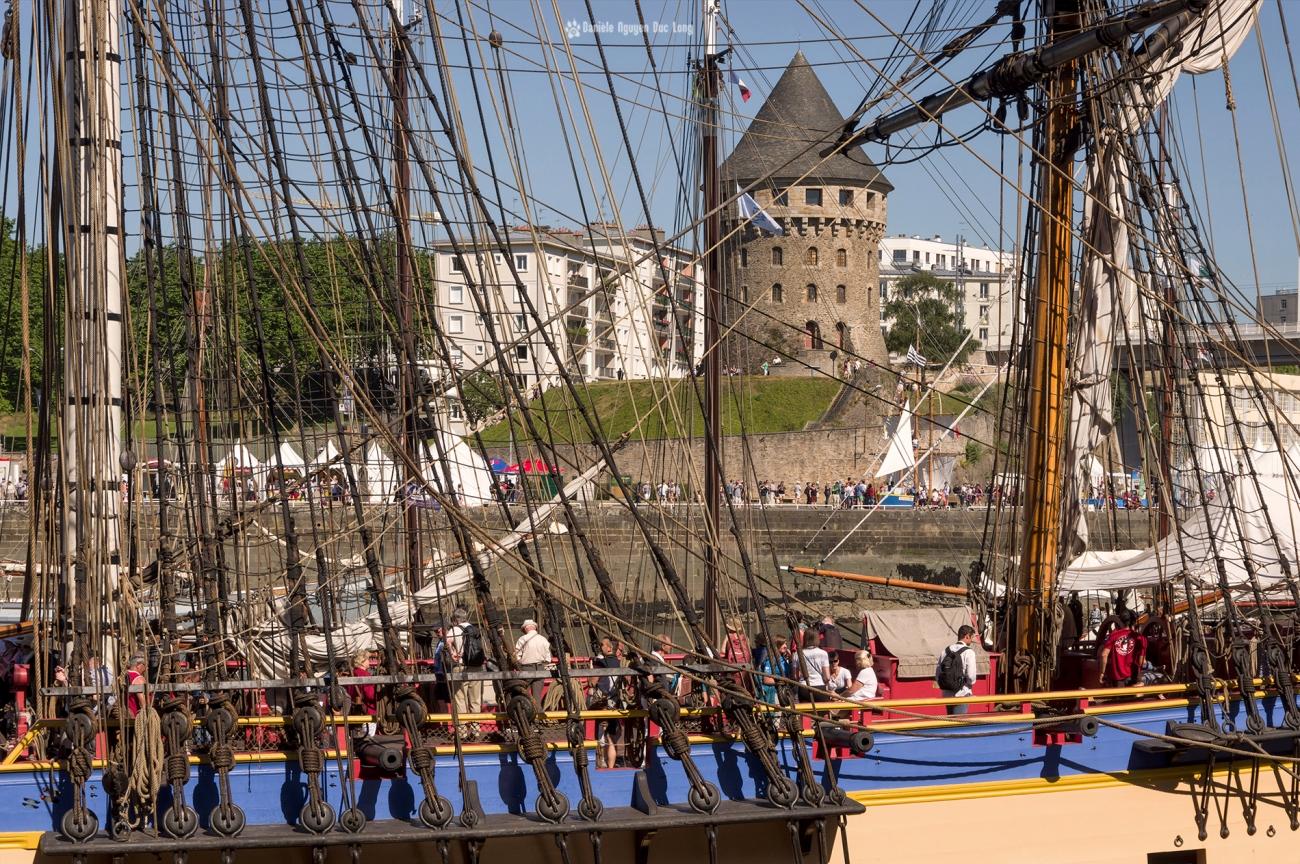Brest 2016 mâts, étais, balancines Hermione et Tour Tanguy,Brest 2016, Fête Maritime Brest 2016, Bretagne, Finistère