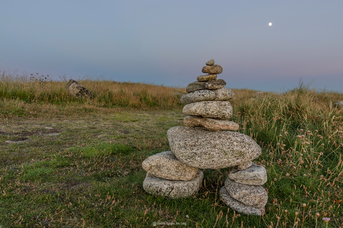 cairn côté lune Guissény Curnic, Enez Croaz Hent, Curnic, Guissény, Bretagne, Finistère