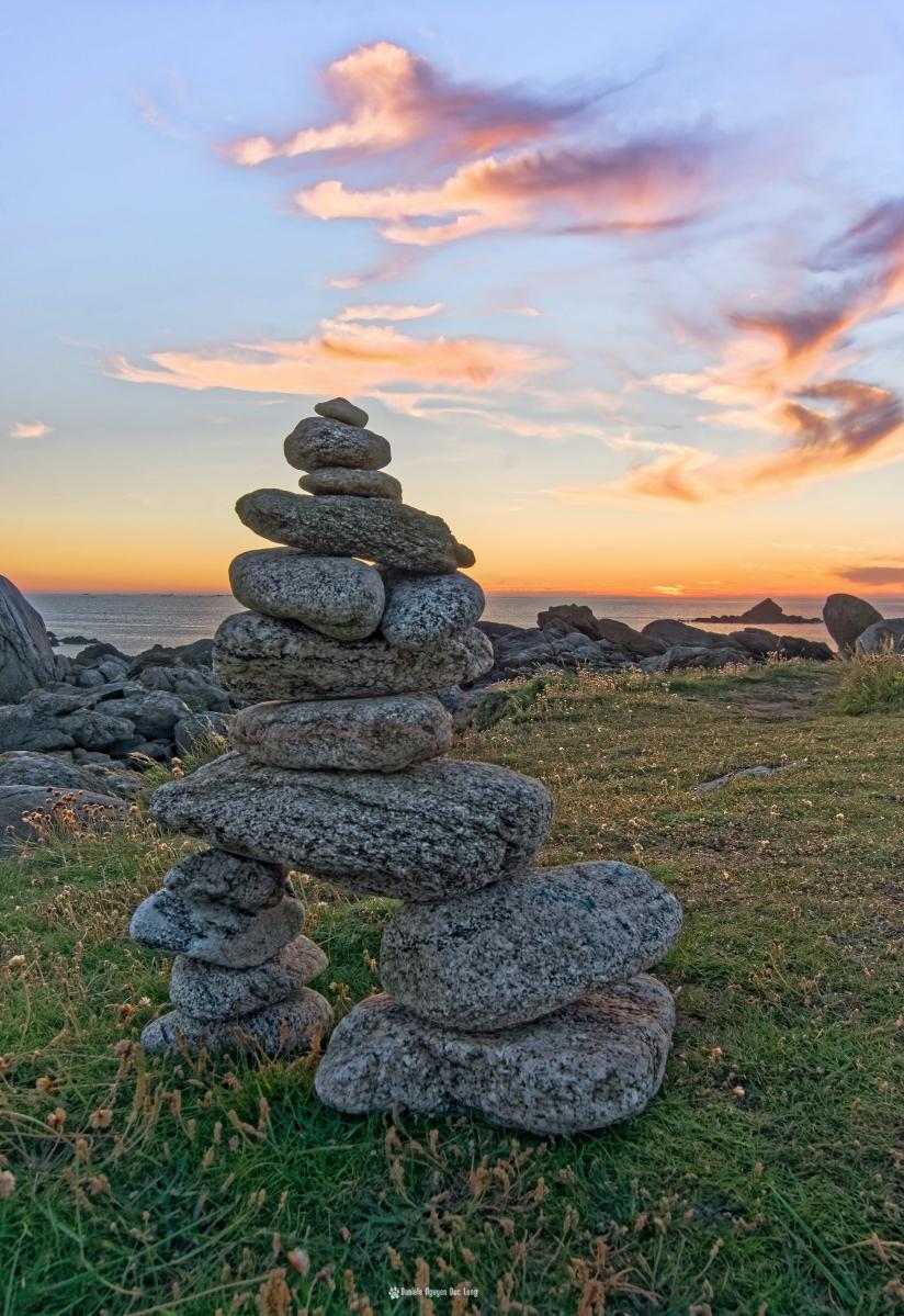 curnic soleil couchant cairn, Enez Croaz Hent, Curnic, Guissény, Bretagne, Finistère