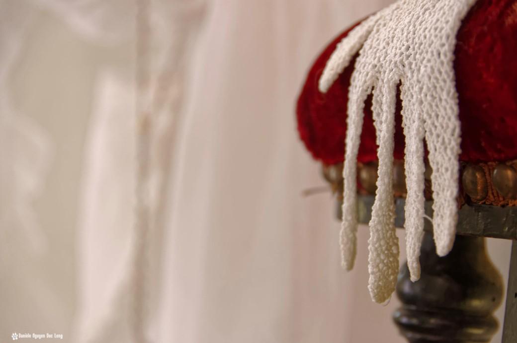 gants communion prie dieu, Guissény, Finistère, exposition costumes communion solennelle,