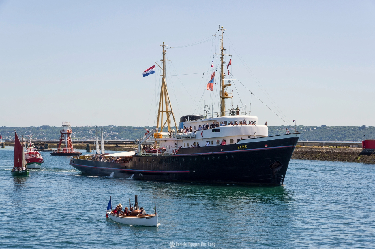 Brest 2016la puce et l'éléphant - Elbe, Brest 2016 La Françoise, Brest 2016, canot à vapeur, chaloupe à vapeur, Brest, Bretagne, Finistère