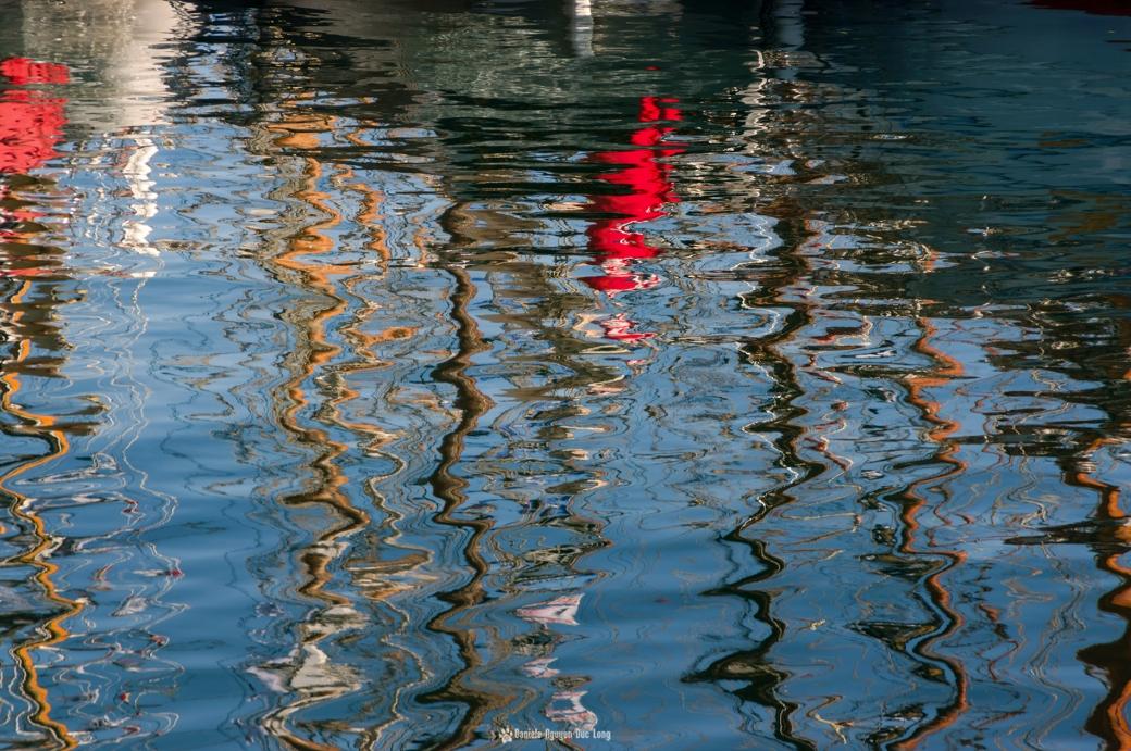 Brest 2016 reflets fin de journée dans l'eau du port mats Brest 2016 reflets fin de journée dans l'eau du port , Brest 2016, Fêtes Maritimes de Brest, Bretagne, Finistère