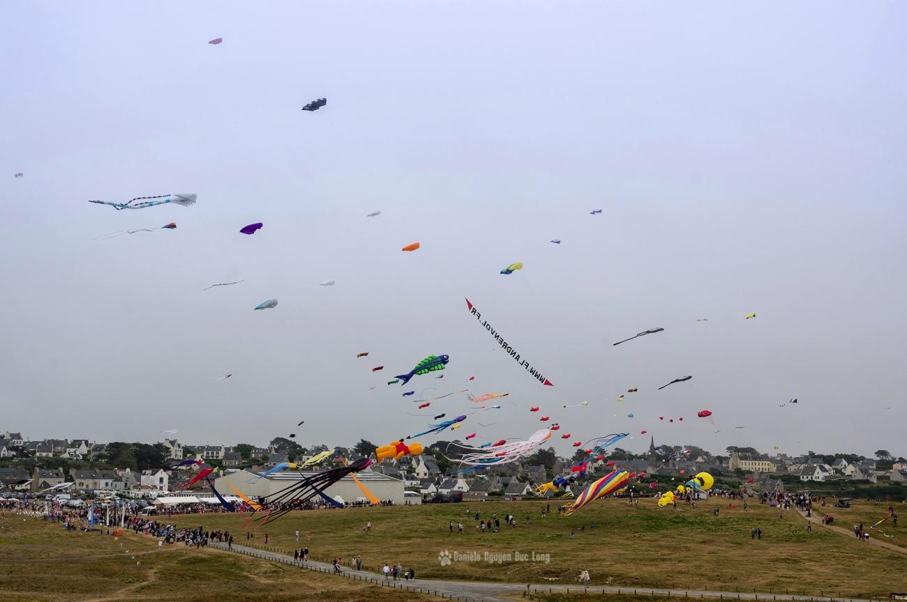 cerf-volant-vue-d' ensemble, festival du vent et du cerf-volant à Porspoder, Porspoder, Bretagne, Finistère