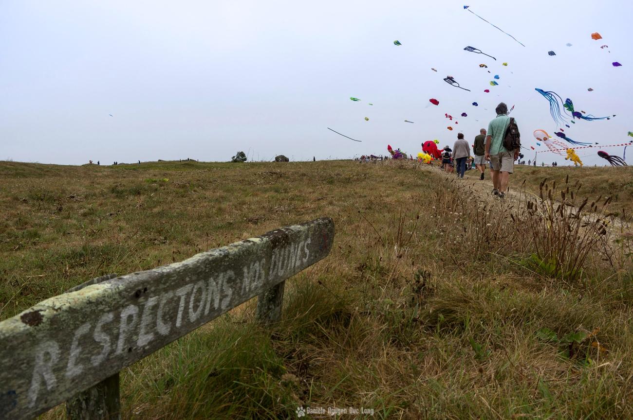 cerfs-volants-a-pospoder-respectons-nos-dunes-, festival du vent et du cerf-volant à Pospoder, Pospoder, Bretagne, Finistère
