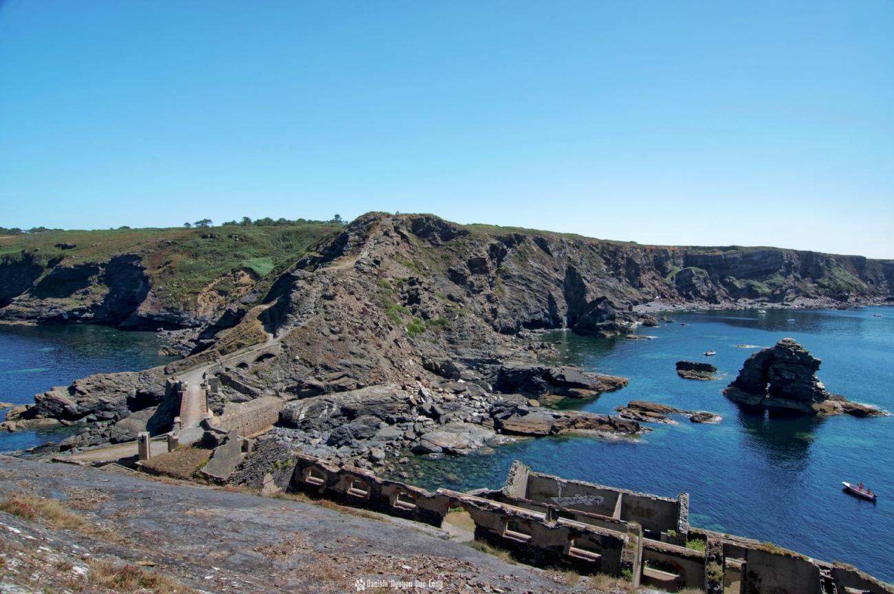 la-cote-depuis-le-fort-des-capucins, Roscanvel, îlot du Capucin, Bretagne, Finistère