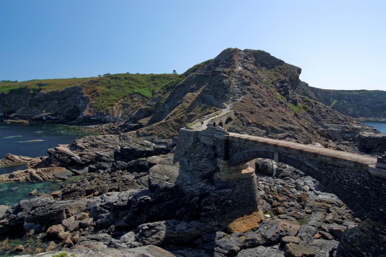 pont-et-cote-vues-depuis-le-fort-des-capucins, Roscanvel, îlot du Capucin, Bretagne, Finistère