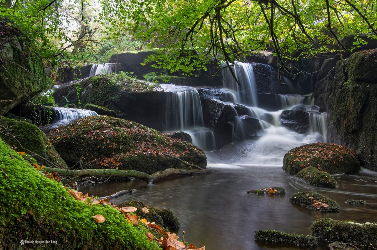 cascade-st-herbot-mousse-, pose longue, automne,