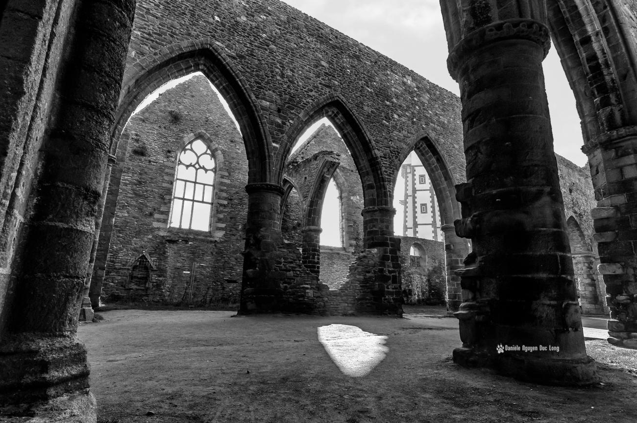 eglise-st-mathieu-interieur- , abbaye Saint-Mathieu, ruines de l'abbaye de Saint-Mathieu, Pointe Saint-Mathieu, Plougonvelin