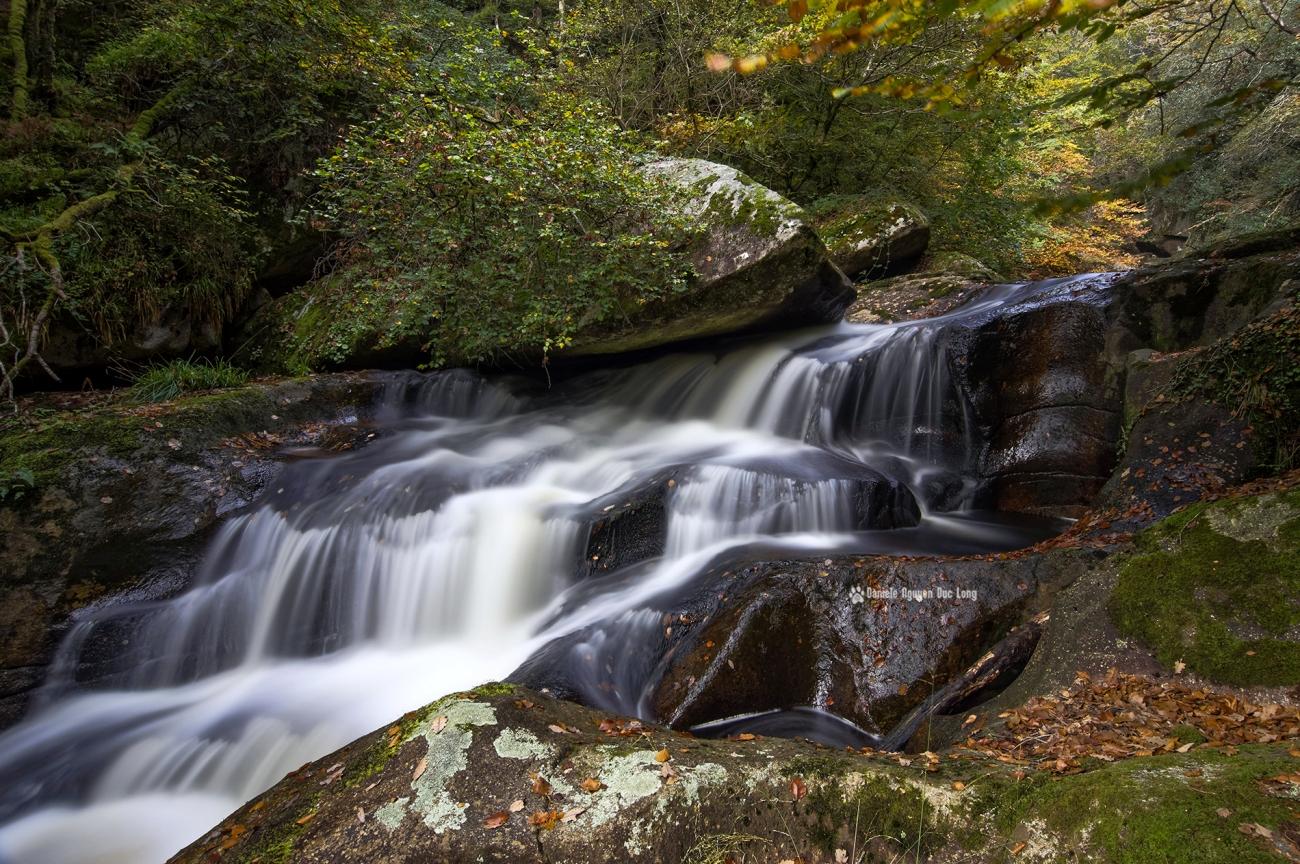 cascade-st-herbot-autre-versant-plan-serre_1-copie