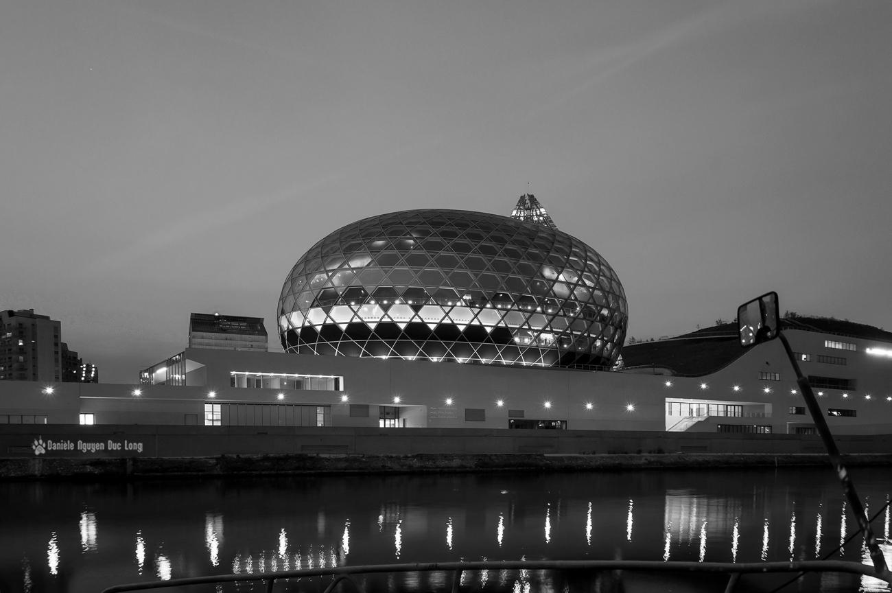 La Seine Musicale, île Séguin, Boulogne Billancourt, La Seine, La Seine Musicale vue du chemin de halage vers les péniches