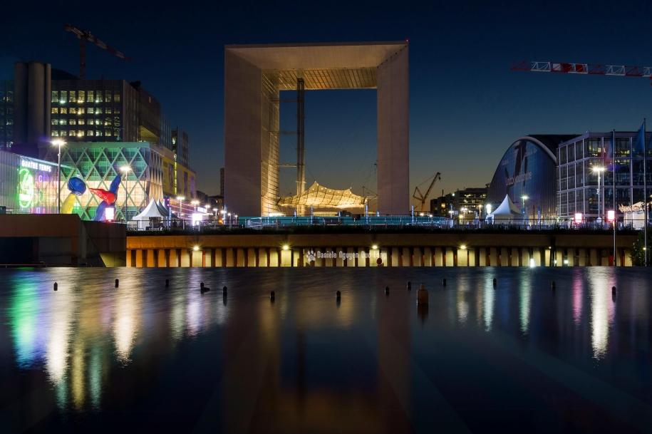 l'Arche de la Défense de nuit copie