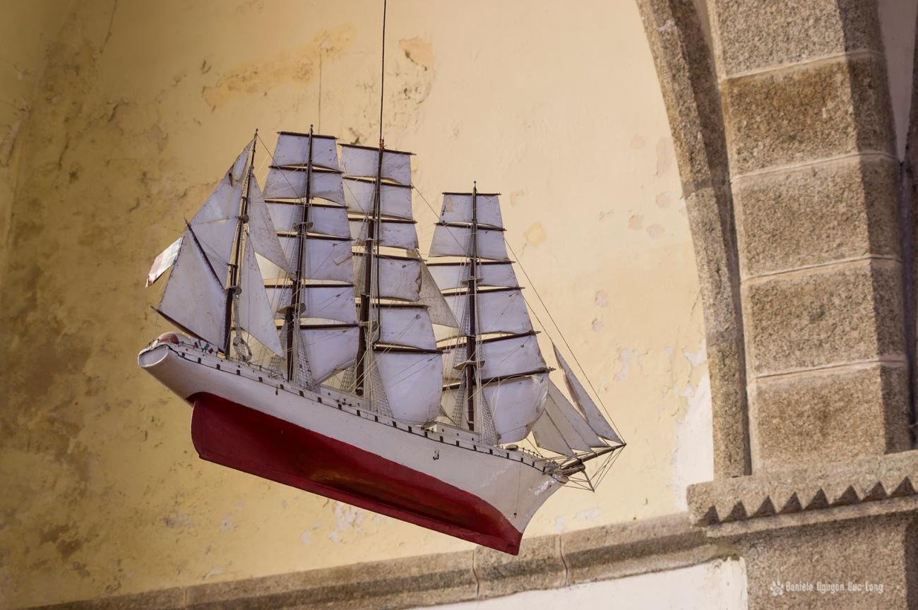 ex voto maquette de bateau église de Molène - réplique d'un grand Cap-hornier