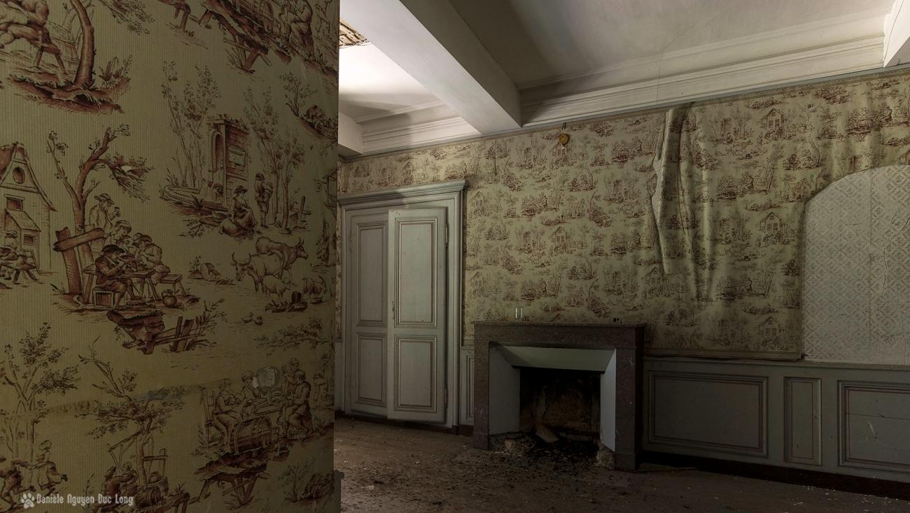 urbex château Stromae chambre papier de Jouy