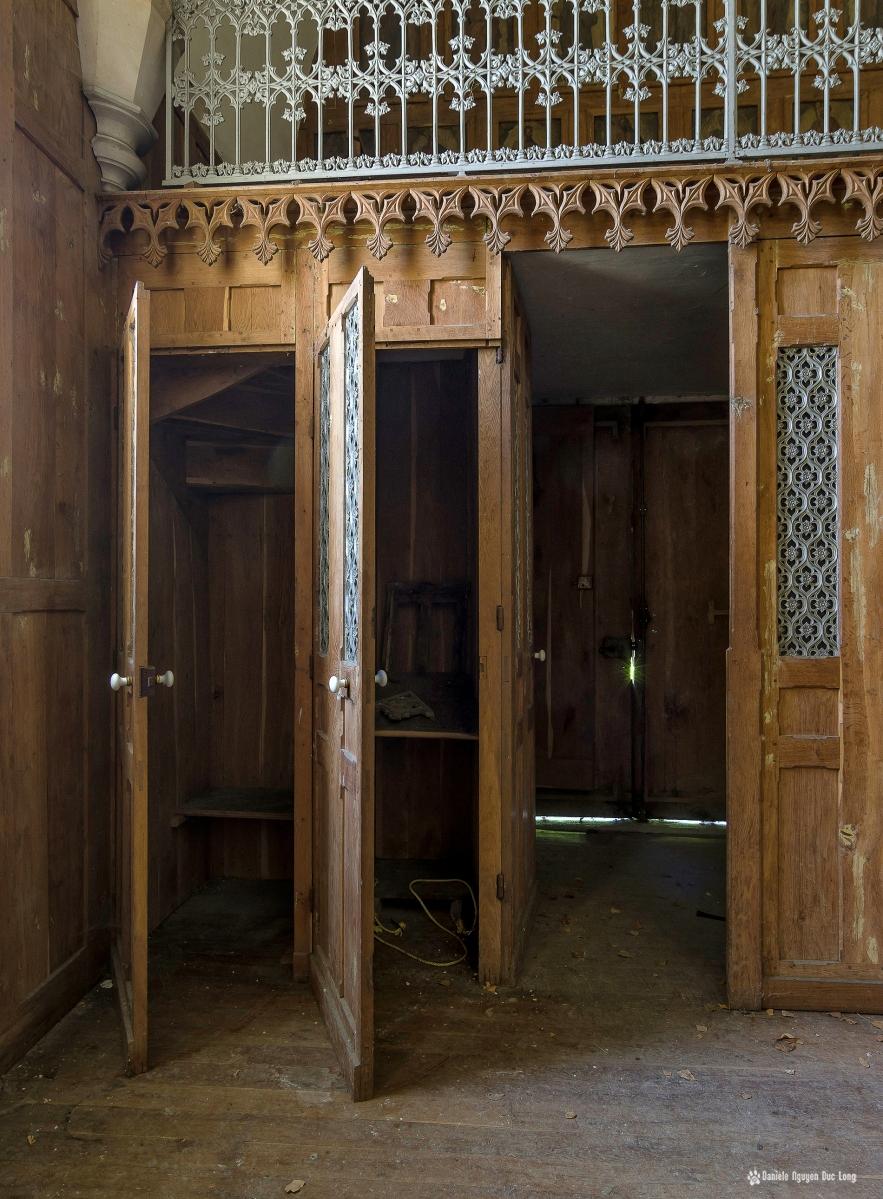 urbex château Stromae confessionnal chapelle