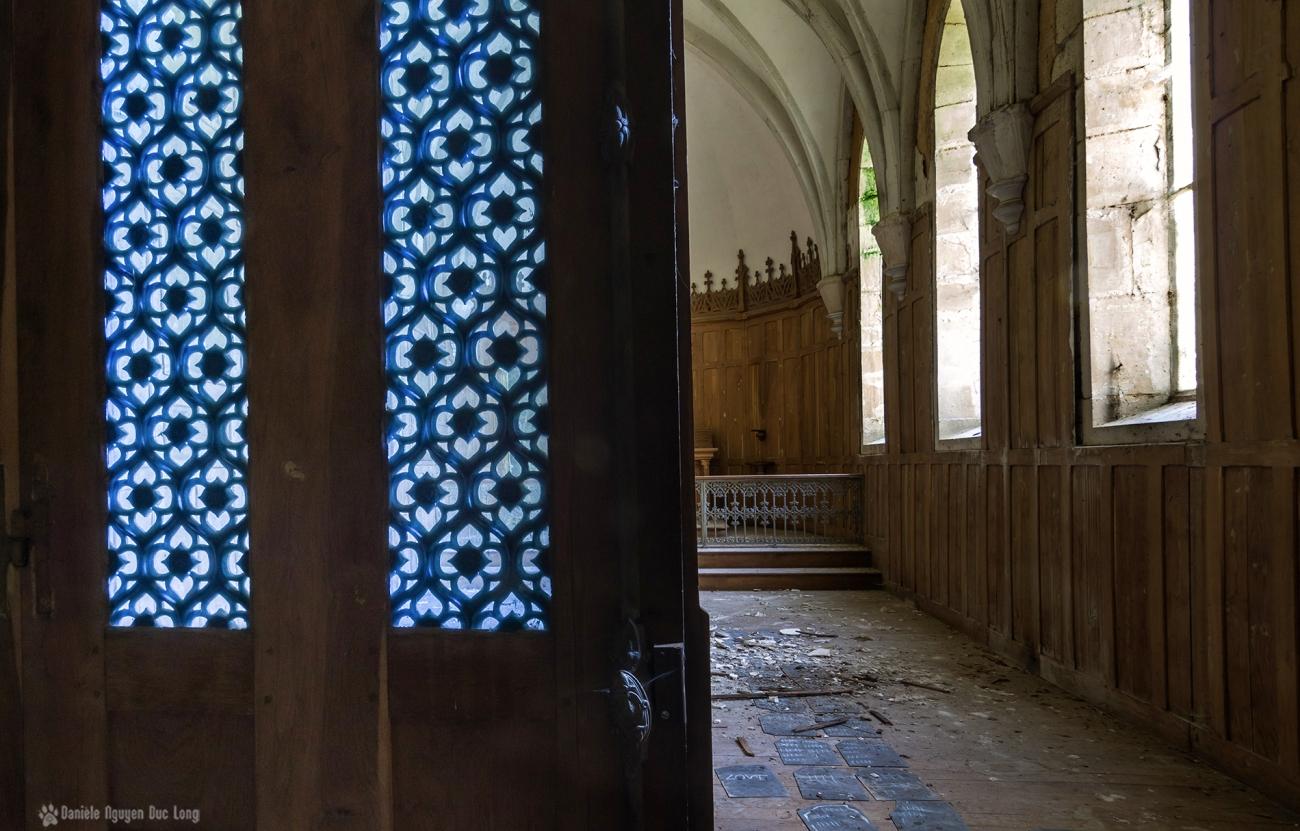 urbex château Stromae entrée chapelle