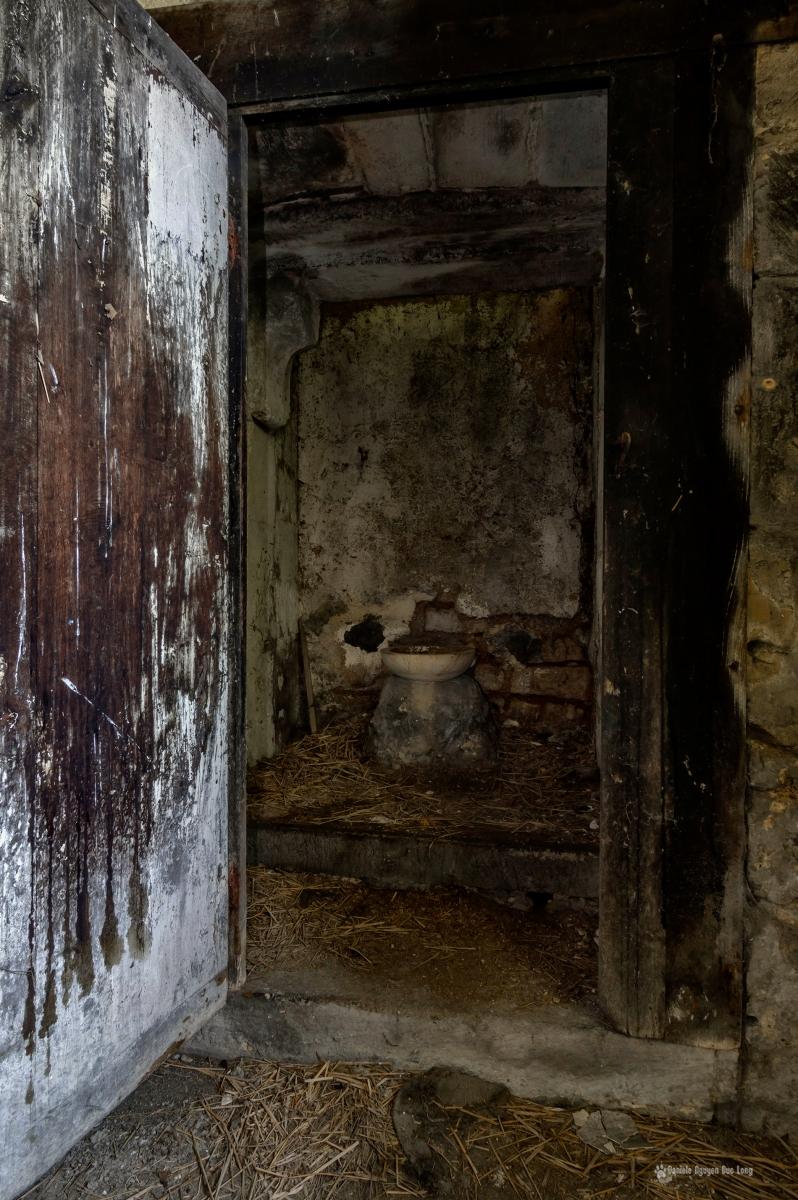 urbex château Stromae toilettes four à pain