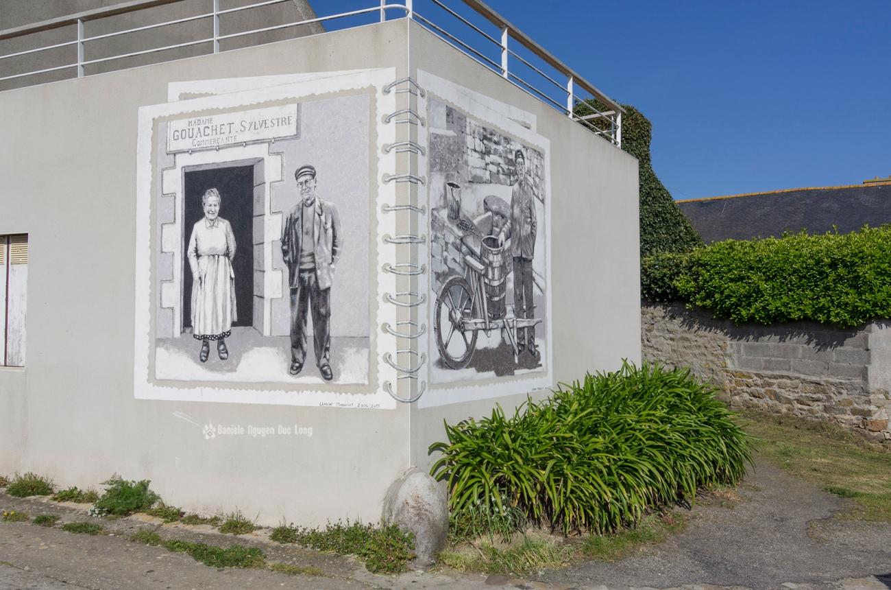 Fresque devant le puits St-Renan à Molène